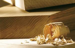 Wir arbeiten mit Holz